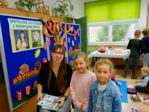 podpisywanie książek przez Katarzynę Moryc